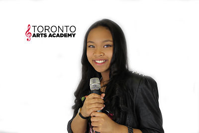 girl in voice lessons toronto