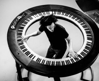 pianoarc-360-keyboard-by-brockett-parsons-1